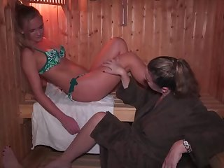mom and daughter sex in jacuzzi