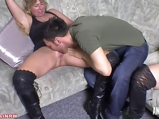 sweetsusinrw: threesome with a young guy